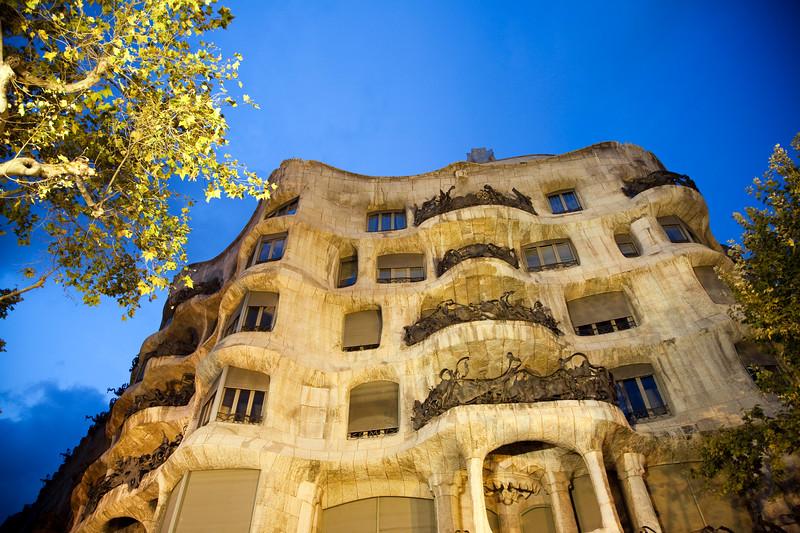 Fachada de la Casa Milà (o La Pedrera), obra de Gaudí, Paseo de Gracia, Barcelona