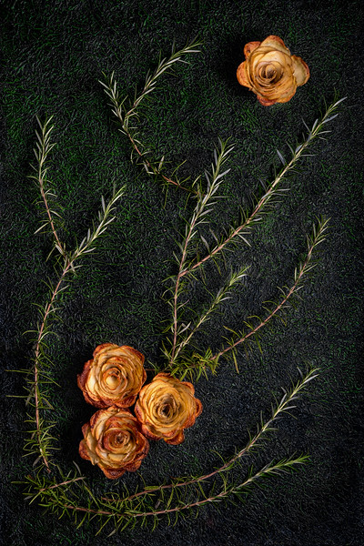Rosemary potato roses