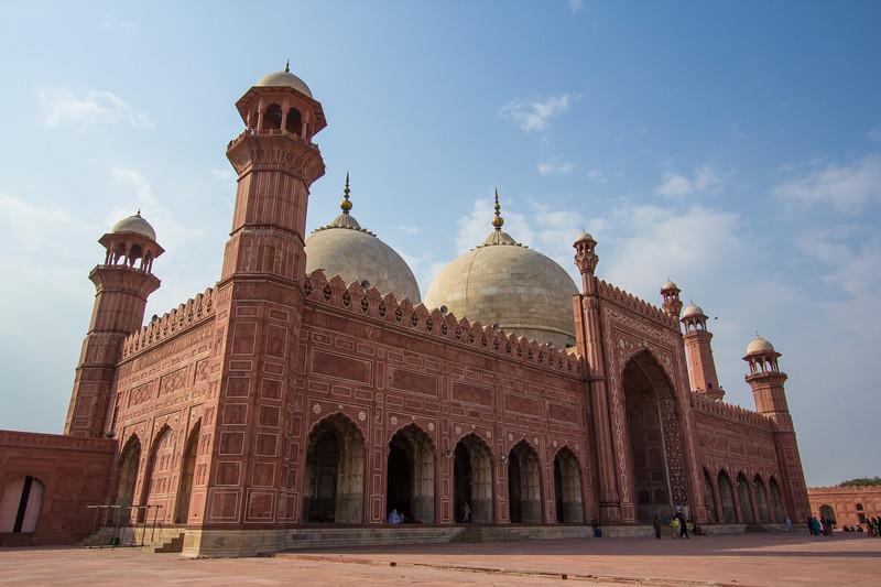 Genevieve Hathaway_Badshahi Mosque_mosque.jpg