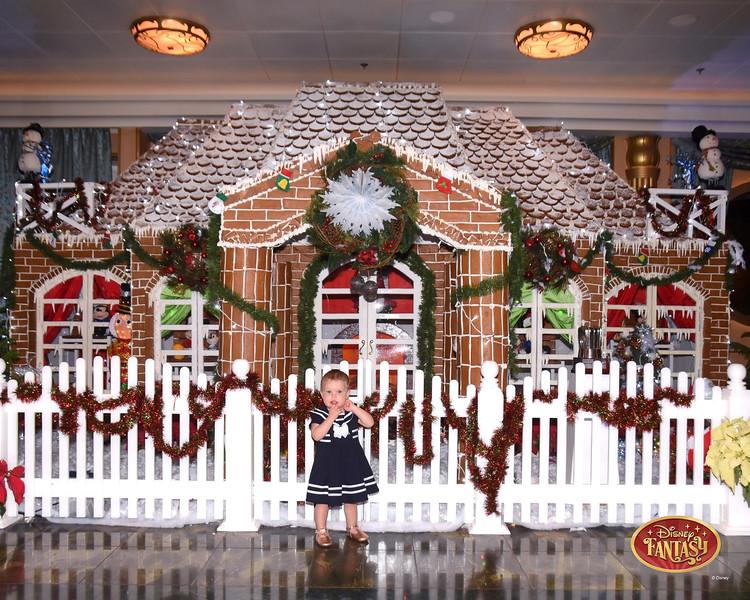 403-124303042-F Gingerbread House 3 MS-49722_GPR.jpg