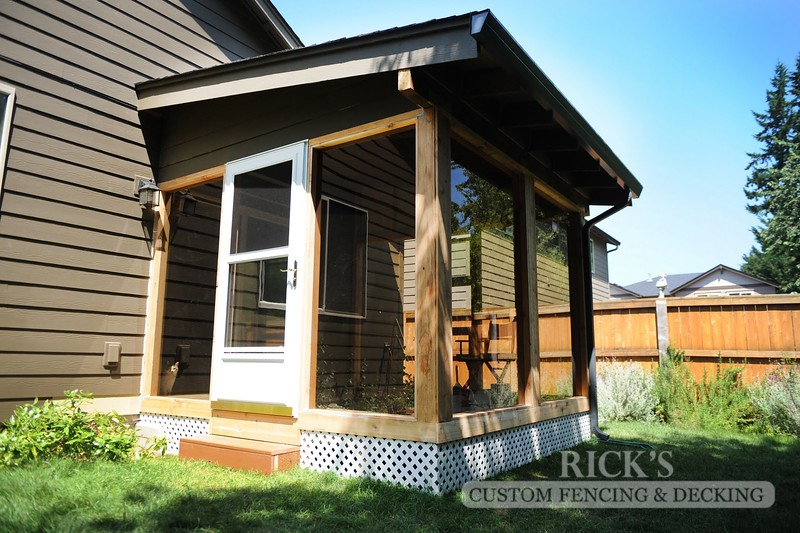 5121 - Wood-Framed Patio Cover