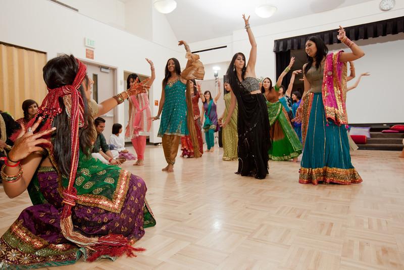 Rachna_Roshan_Sangeet-339.jpg