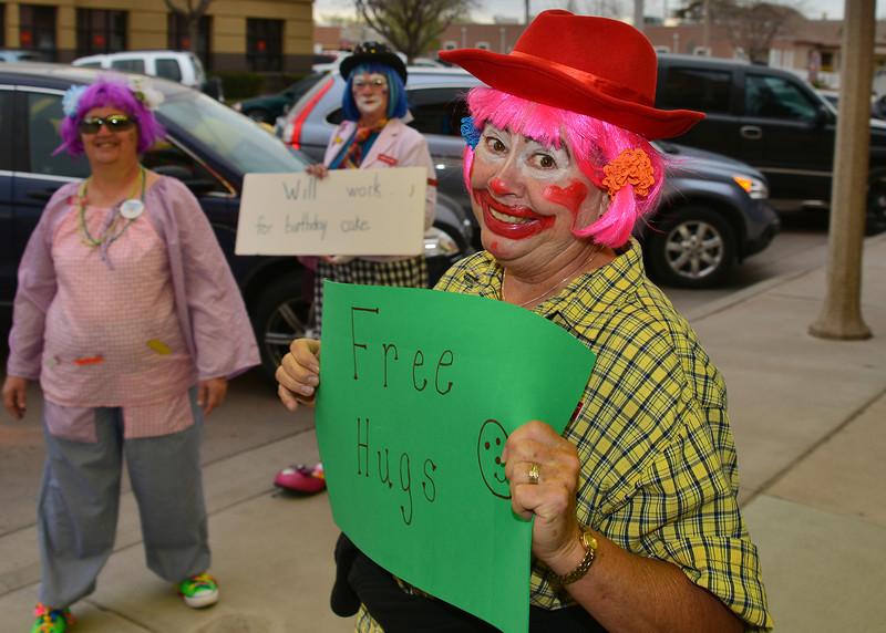 NEA_3162-7x5-Clowns.jpg