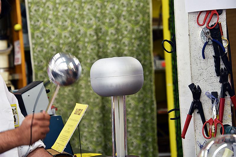 04 Van de Graff Generator.jpg