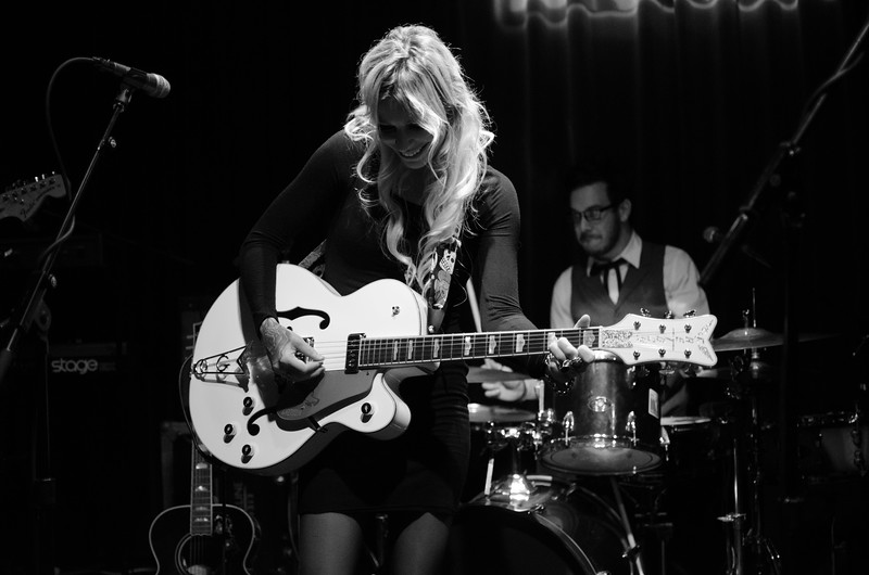 GIN WIGMORE IN PHILADELPHIA AT THE WORLD CAFE
