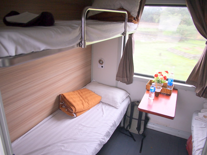 P1019706-four-bed-cabin.JPG