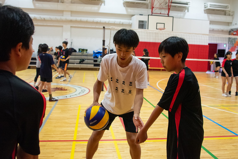 PE Leadership-Gr12 and Gr6 Volleyball Workshops-YIS_2566-2018-19.jpg