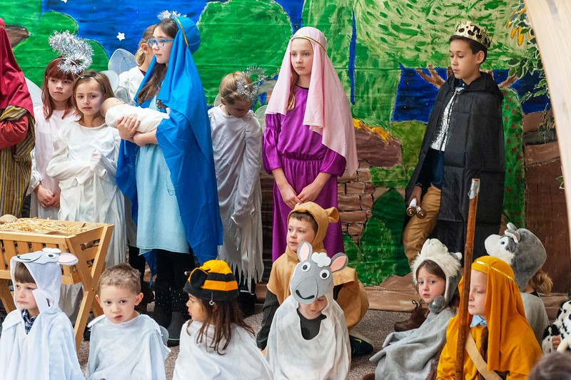 20191209 Faith Children Advent Family Gathering-8030.jpg
