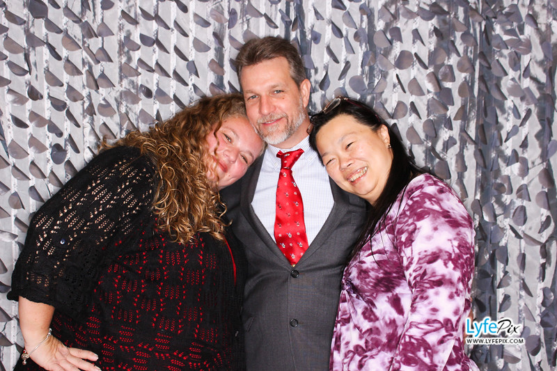 red-hawk-2017-holiday-party-beltsville-maryland-sheraton-photo-booth-0299.jpg