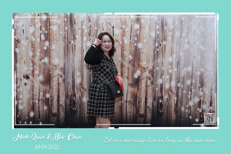QC-wedding-instant-print-photobooth-Chup-hinh-lay-lien-in-anh-lay-ngay-Tiec-cuoi-WefieBox-Photobooth-Vietnam-cho-thue-photo-booth-059.jpg