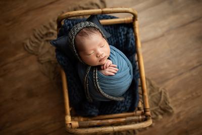 Curtis W Newborn