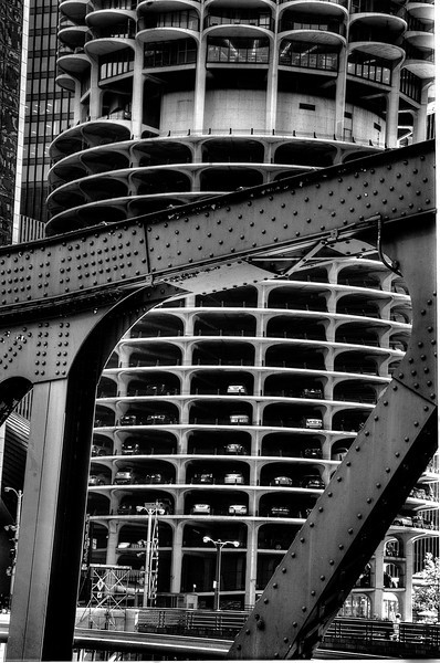 ChicagoMarinaWithBridegSteelDSC_4803_4_5_tonemapped.jpg
