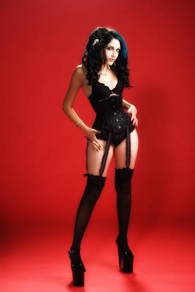 Laura (Sister BoneZ)