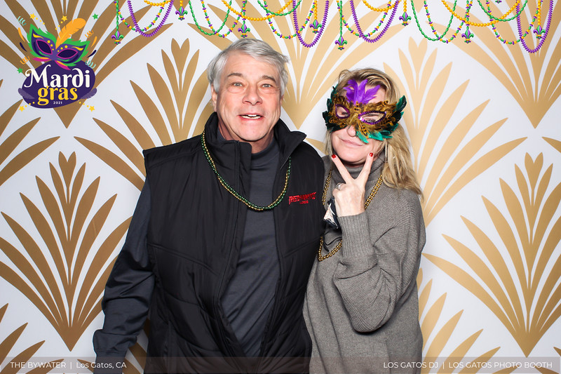 LOS GATOS DJ - The Bywater's Mardi Gras 2021 Photo Booth Photos (beads overlay) (15 of 29).jpg