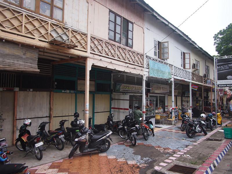 P1275728-bike-parking-sabang.JPG