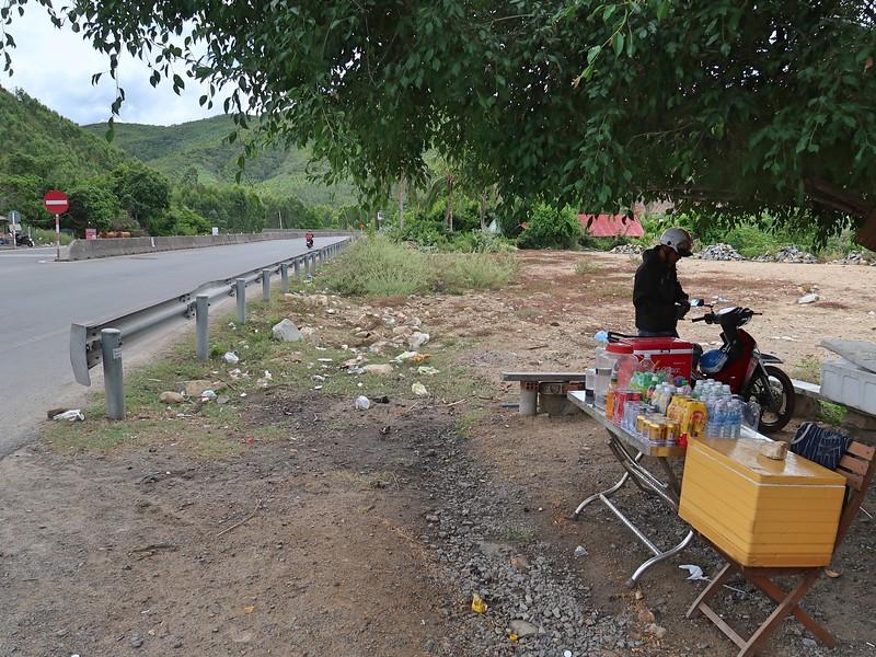 IMG_1150-deo-nai-bus-stop.jpg