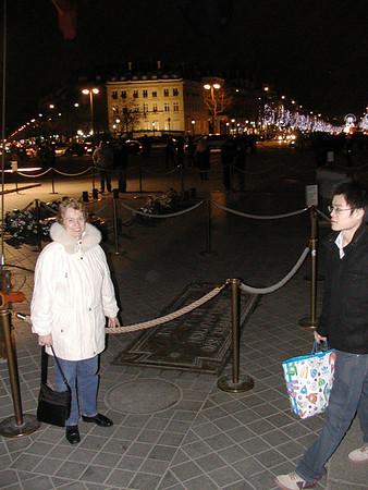 081220-21 Grandpa & Grandma Howland in Paris