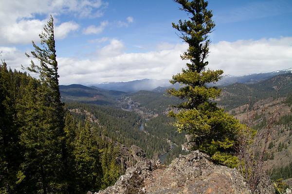 2017-04-30 Edgar Rock Trail, Chinook Pass Highway