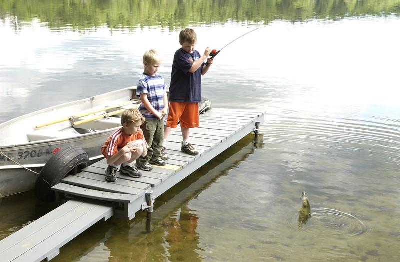 7/04   boys kids family bear pond vacation 2004