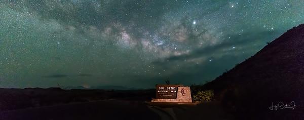 Far Flung image - Big Bend Entrance - Milky Way