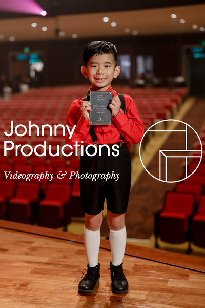 0024_day 1_award_red show 2019_johnnyproductions.jpg