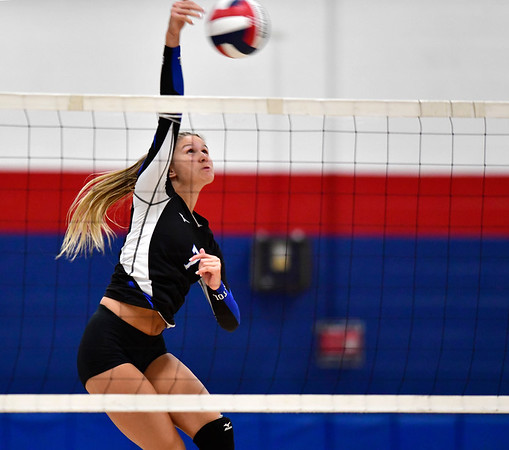 9/18/2019 Mike Orazzi | StaffrBristol Eastern Girls Volleyball's Zoe Lowe (7) during Wednesday night's match with Plainville.
