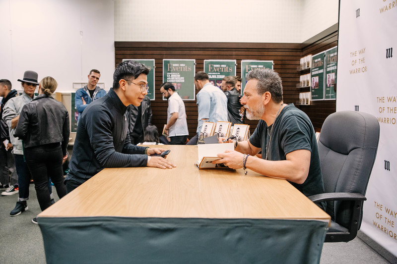 2019_2_28_TWOTW_BookSigning_SP_194.jpg