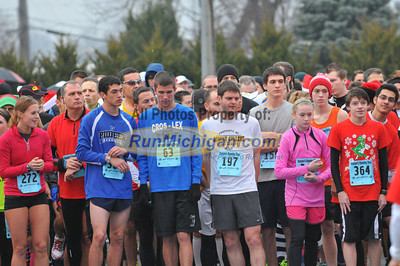 Start - 2012 Shelby Twp. Jingle Bell Run