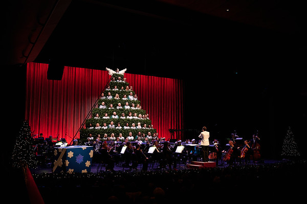 2019-12-14 CSO Magic of Christmas
