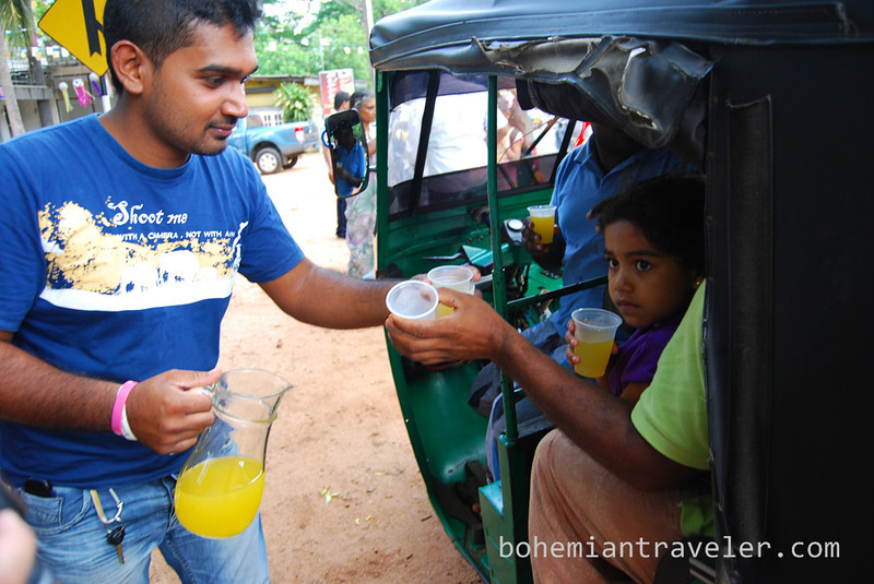 free drinks for vesak (5).jpg