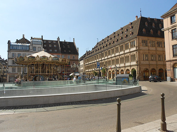 Carosel-in-Strasbourg,-France.jpg