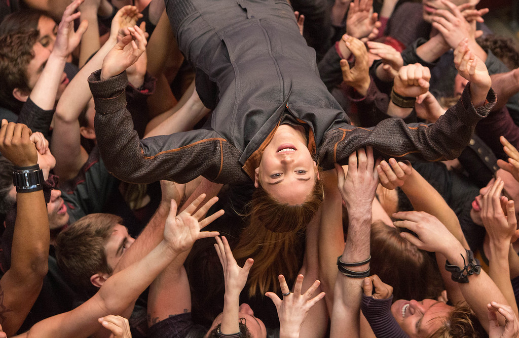 """. This image released by Summit Entertainment shows Shailene Woodley in a scene from \""""Divergent.\"""" (AP Photo/Summit Entertainment, Jaap Buitendijk)"""