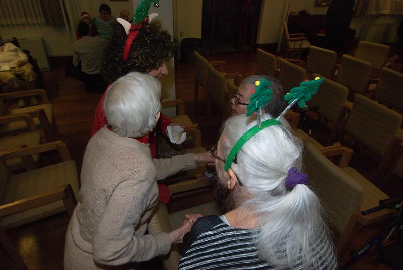 2018-12-19-Christmas-Caroling_039.jpg