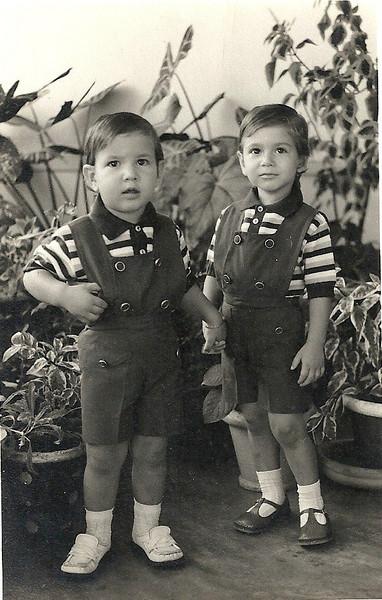 Sandro Passaradas, Claudio Passaradas  Tirada em 73/74 quando viviam no Lucapa, eles nasceram os dois em Andrada