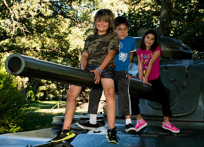 Cantigny Outing Kids And Tanks