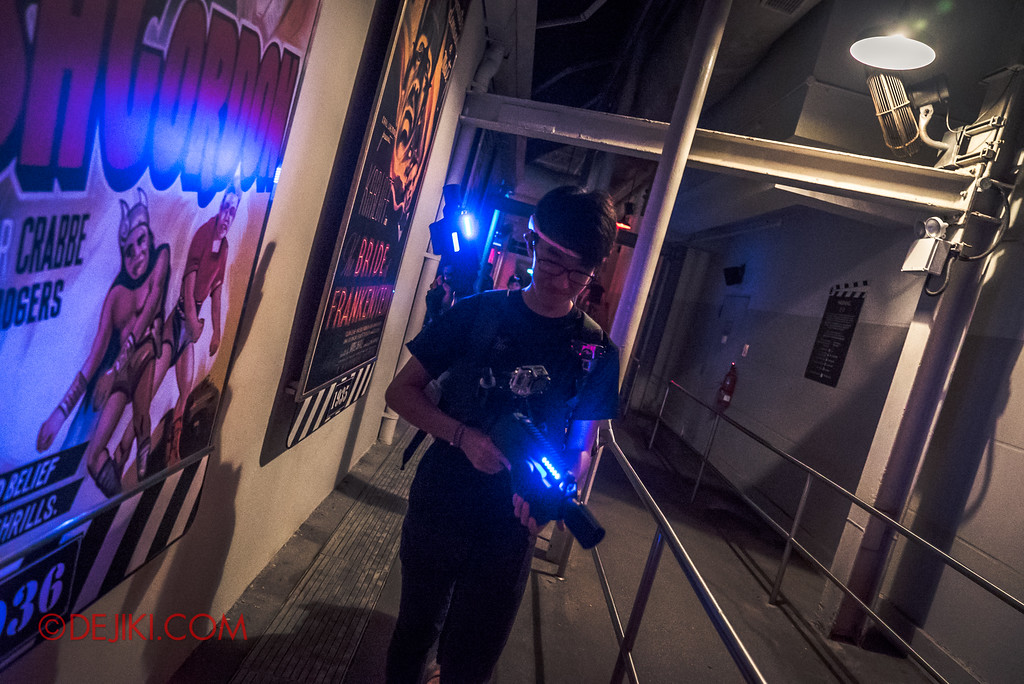 Halloween Horror Nights 7 Review - Zombie Laser Tag loaded