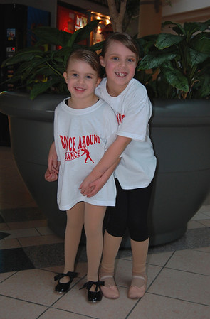 Bounce Around Dance at Great Lakes Mall Oct 2009