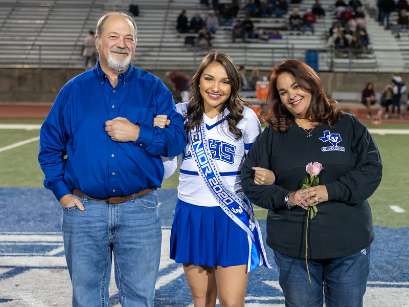 LV2019_SeniorNight-57.jpg
