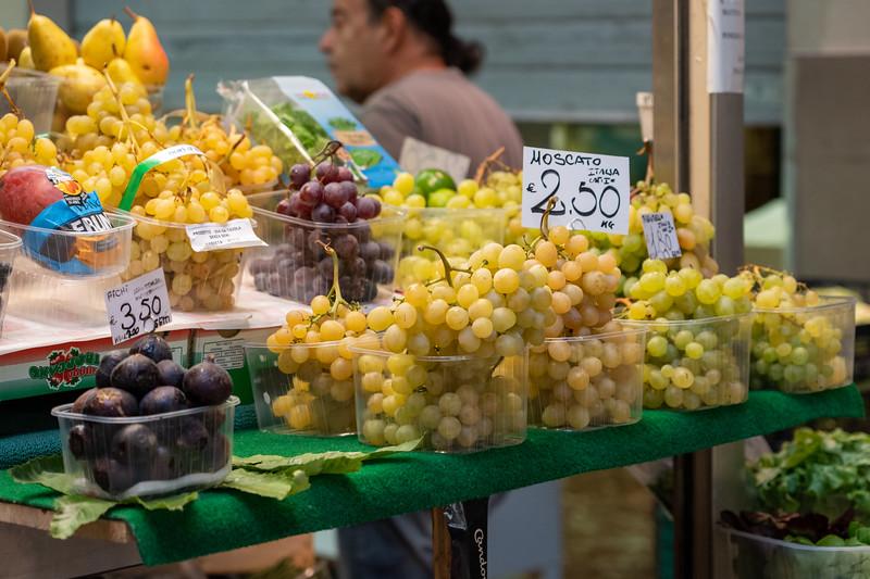Grapes at Mercato della Erbe in Bologna
