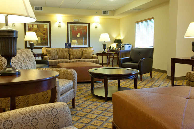 CANDLEWOOD SUITES FORT MYERS Living Room000.jpg