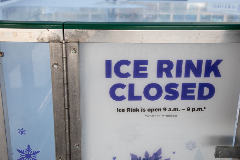 010220_IceSkating-024.jpg