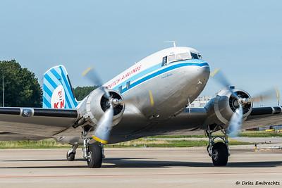 DC-3 DDA visits Maastricht Airport 2015