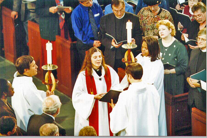 The Rev. Heidi B. Neumark, Transfiguration Lutheran Church, Bronx, N.Y., read the gospel lesson at the installation service, before she delivered the sermon.