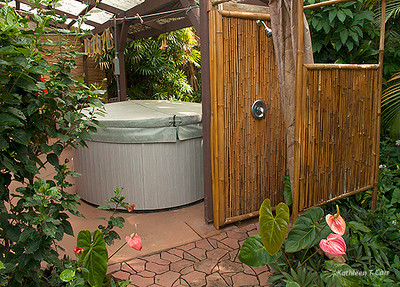 Outdoor Shower & hot tub_2624.jpg