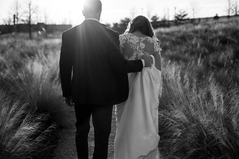 Kate&Josh_B&W_ZACH.WATHEN.PHOTOGRAPHER-427.jpg