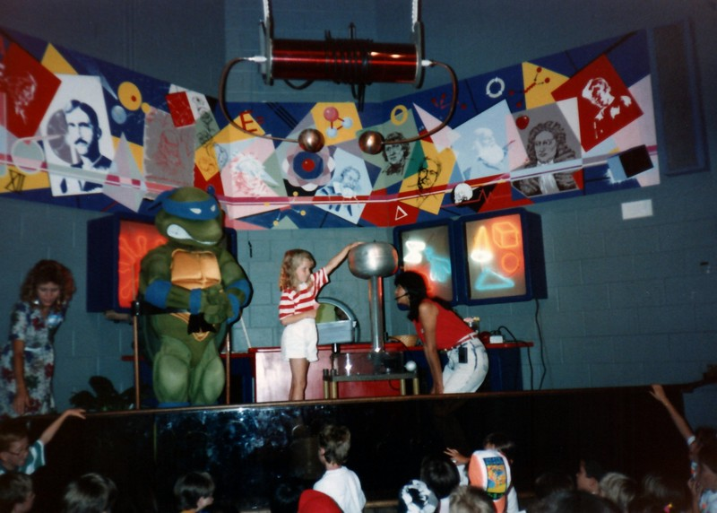 1989_Spring_Yankee_Stadium_Science_Center_0011_a.jpg
