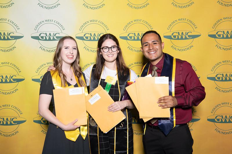 Scholarships-Awards-2019-0715.jpg