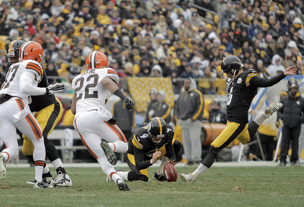 . Shaun Suisham #6 of the Pittsburgh Steelers kicks a field goal in the first half against the Cleveland Browns during the game on December 30, 2012 at Heinz Field in Pittsburgh, Pennsylvania.  (Photo by Justin K. Aller/Getty Images)