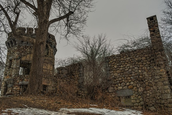 4-3-19  |  Abandoned Doctor's Castle Sanatorium