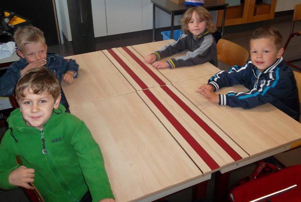 groep 4 op bezoek bij 1A met hun thema letters